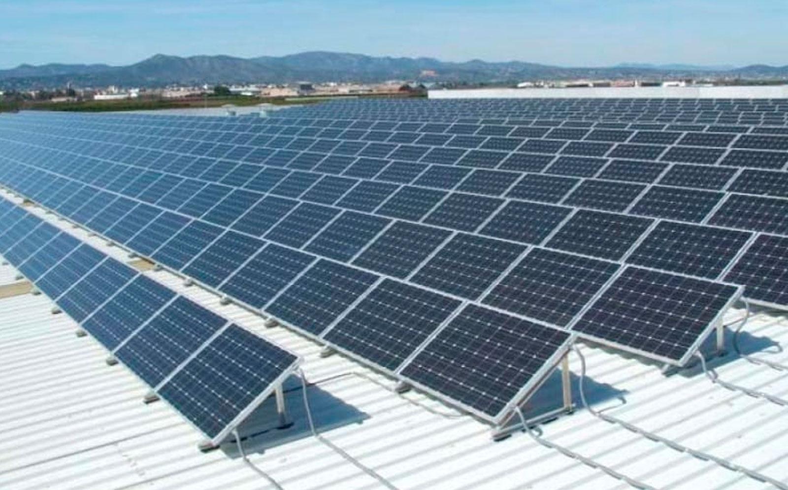 Paneles solares en el ahorro de agua