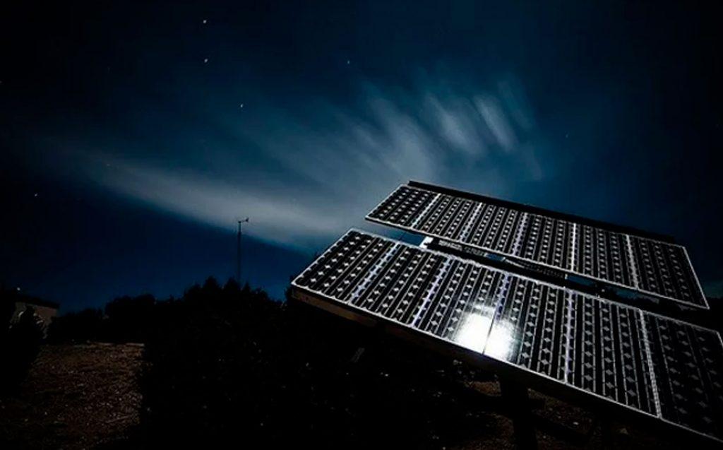 Paneles solares funcionan en días nublados